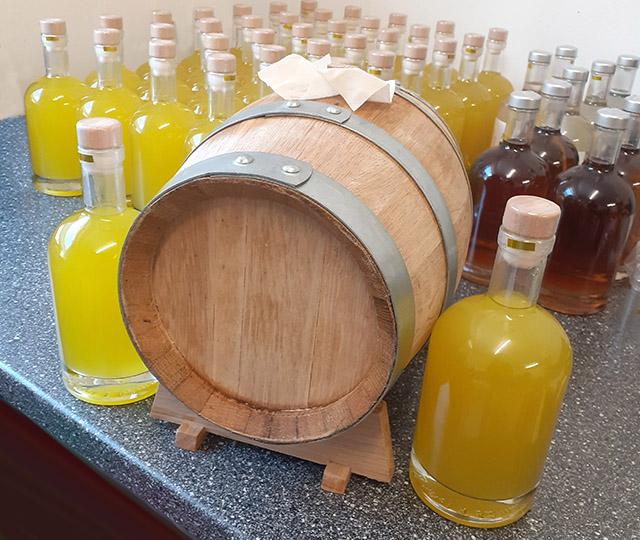 limoncello-likoere-produktion-goldau